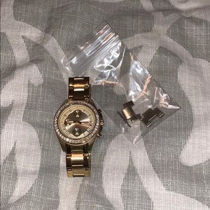 Gold Fossil watch - 11 links